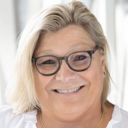 avatar for Renée DESCÔTEAUX